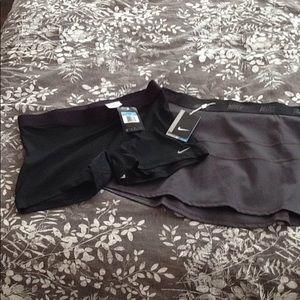 Nike golf skirt w/ shorts, sz M